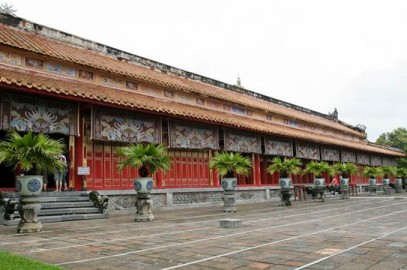 Hue City Tour from Hoi An within one day